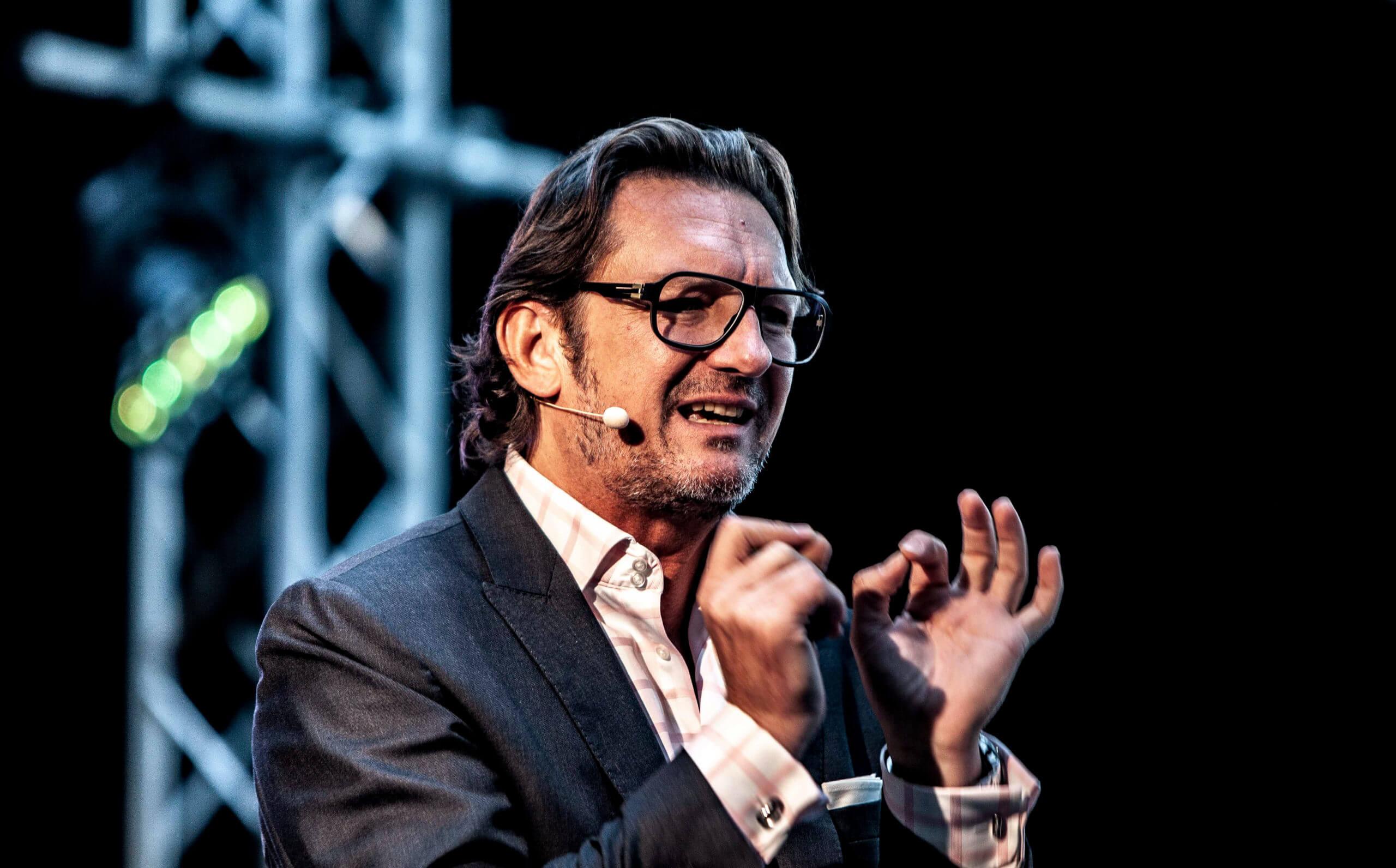Oliver Geisselhart - Jamie Lee Arnold - Fotografin & Präsenzexpertin